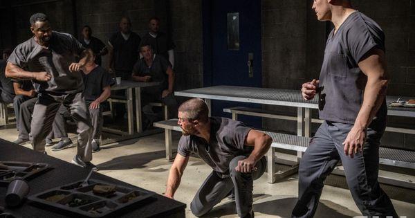 Arrow 7x01 Inmate 4587 Michael Jai White As Ben Turner Bronze Tiger Oliver And Cody Runnels As Derek Sampson Michael Jai White Season 7 Stephen Amell
