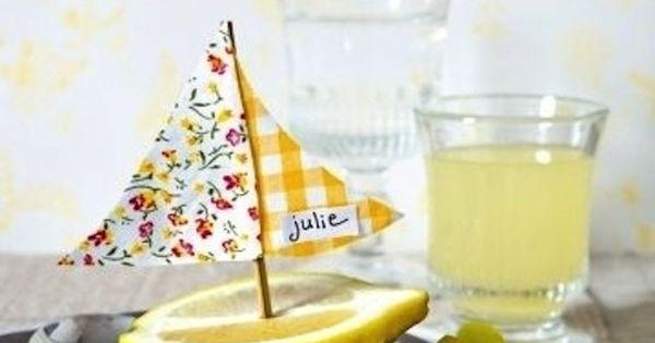Tischdeko sommerlich zitrone veilchen namensschild - Griechische tischdekoration ...