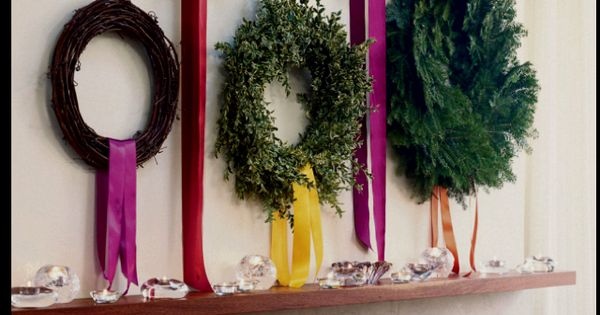 Love the holidays... wreaths