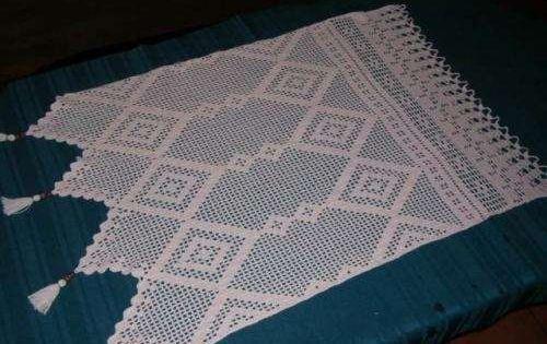 tejidos artesanales: cortina con motivos de flores tejida en ...