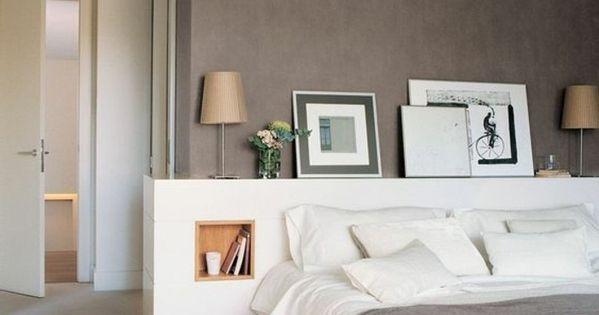 murs taupe couleur interieur chic dans la chambre a coucher moquette beige chambre coucher. Black Bedroom Furniture Sets. Home Design Ideas