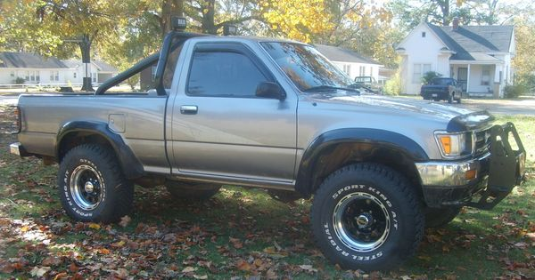 Toyota Pickup 4x4 With Fender Flares And Roll Bar Toyota Trucks Pinterest Toyota Toyota