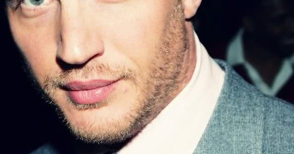 Tom Hardy. I love this mans lips. :D