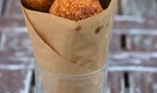 arancini di riso (risotto balls stuffed with cheese)...these are sooo good! I