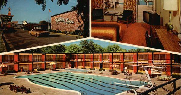 Holiday Inn Holiday Inn Inn Vintage Postcard