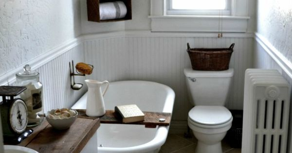 our vintage home love: Farmhouse Bathroom. Gah! Just in love with everything