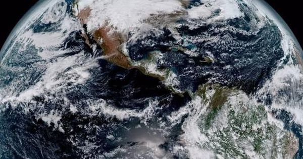 Noaa S Newest Weather Satellite Beams Back First Images Of Earth Weather Satellite Earth From Space Earth Images