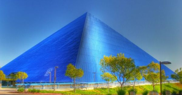 Mike And Arline Walter Pyramid California State University Long