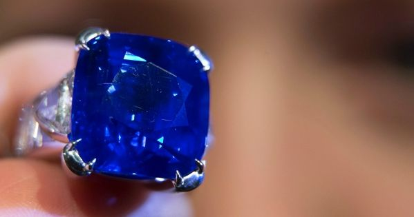 Kashmir Sapphire Sells For 7 Million At Christie S Kashmir Sapphire Sapphire Ring Sapphire Jewelry