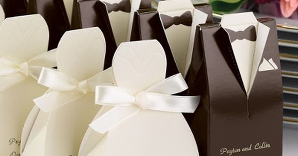 Weddbook ♥ Personalized Gown or Tuxedo Favor Boxes. Cute and unique wedding