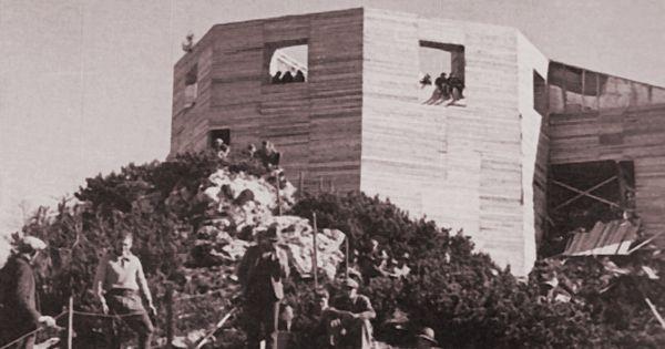 During construction 1937 1938 das kehlsteinhaus for Eagle nest home designs