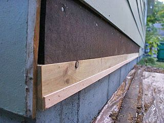 Strip Of Wood Nailed To Lower Edge Of Wall To Kick Out Bottom Of First Siding Row Siding Repair Fiber Cement Siding Masonite Siding