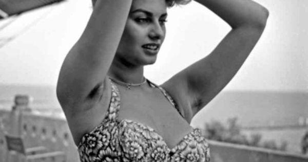 Sophia Loren Exposed Hairy Armpits