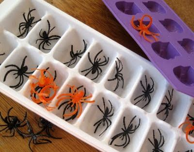 spider ice cubes so easy to do. Buy a bag of spiders