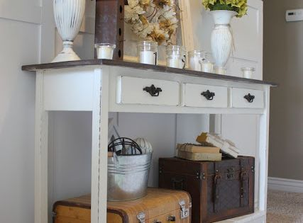 Pretty entryway table. 5 great DIY entry tables with tutorials