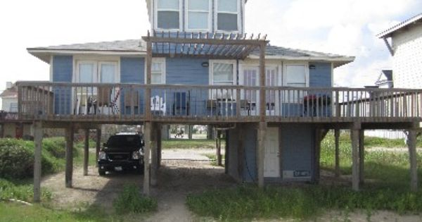 Sister S Bachelorette Party House Sleeps 10 3 Beds 2 Baths House Rental Renting A House Galveston