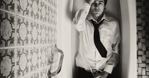 black and white bathtub © Martin Waldbauer