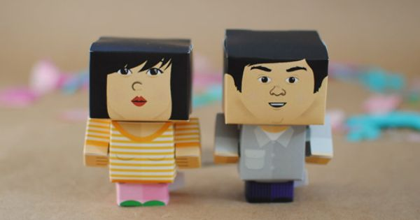 foldable portraits. *as cake toppers or maybe placecards?*