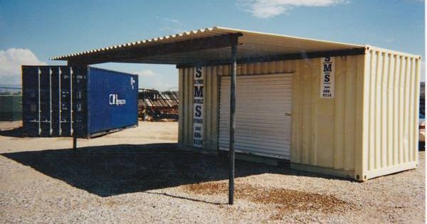 Small workshop from shipping container mancave for Container garage voiture