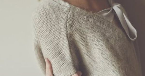Back Bow Tie Sweater