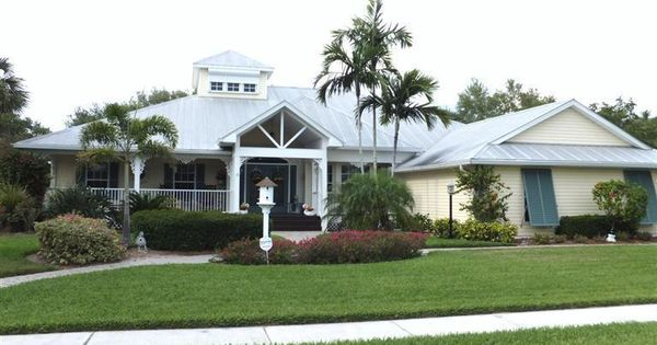 Coconut Creek Neighborhood In Fort Myers Fl Love The Name Waterfront Homes For Sale Waterfront Homes Cape Coral Real Estate
