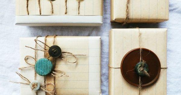 Vintage notebook paper and buttons crazy paper ideas pinterest paquet deco noel et emballage - Paquet jardin deco noel nancy ...