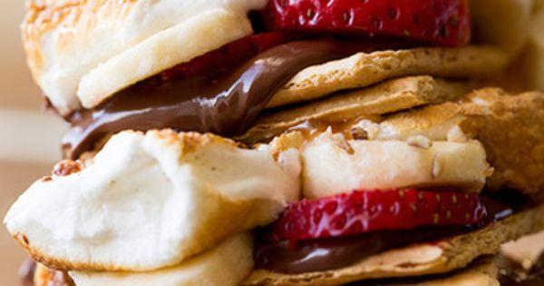 banana strawberry smores // summer sweets