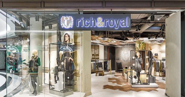 rich royal store visual merchandising by blocher blocher. Black Bedroom Furniture Sets. Home Design Ideas