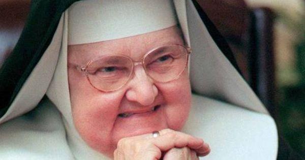 Testimonio De La Madre Angelica De Como Fundo La Cadena Ewtn