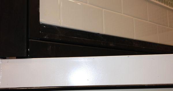 Kitchen Backsplash Like The White Subway Tile And The