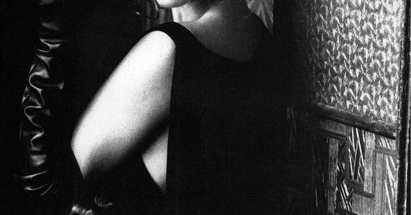 """@cindycrawford @vogueitalia January 1991 by @ellenvonunwerth cindycrawford vogue vogueitalia ellenvonunwerth supermodel fashion"