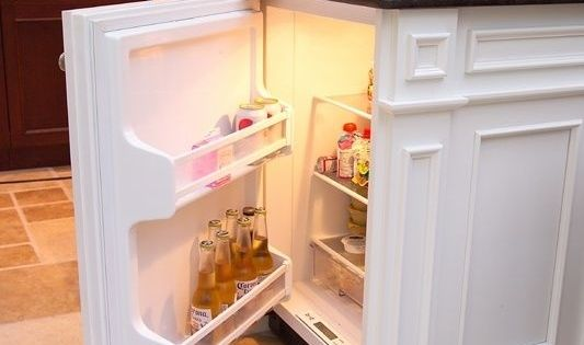 Build A Second Mini Fridge In Your Kitchen Island For Beverages 31 Insanel