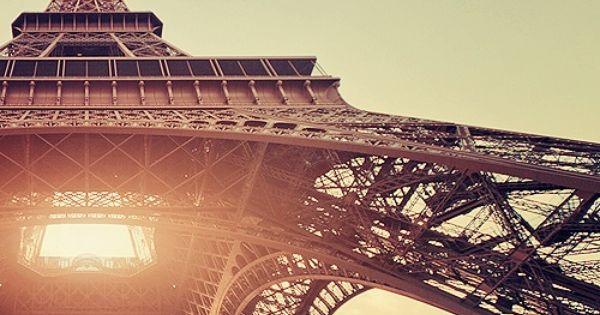 paris. golden hour. beautiful picture. the best I've seen of Tour Eiffel