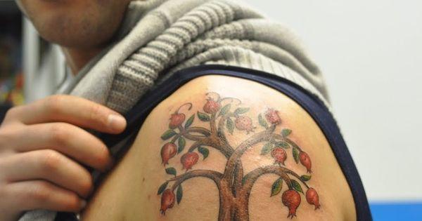 pomegranate tree tattoo beautiful and the tattoo tattoo pinterest best tattoo ideas. Black Bedroom Furniture Sets. Home Design Ideas