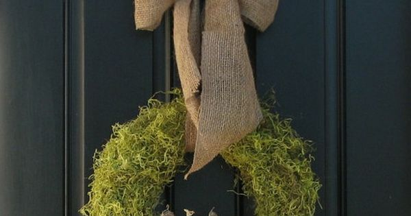 Fall decor- like the moss wreath w/ burlap bow.