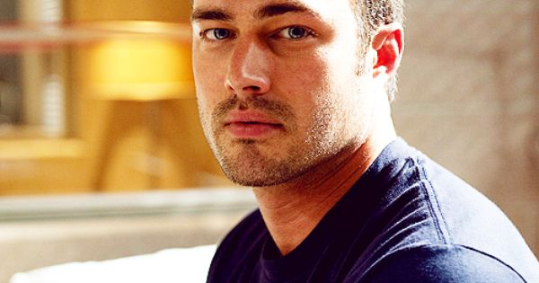 Kelly Severide (Taylor Kinney). Chicago Fire. :-)