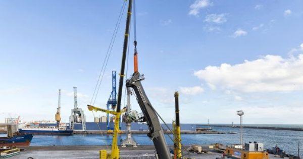 Overhead Crane Training Sydney : Liebherr two mobile cranes assembling a