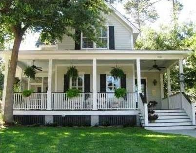 Southern style farm house with wrap around porch wrap for Southern home plans with wrap around porches