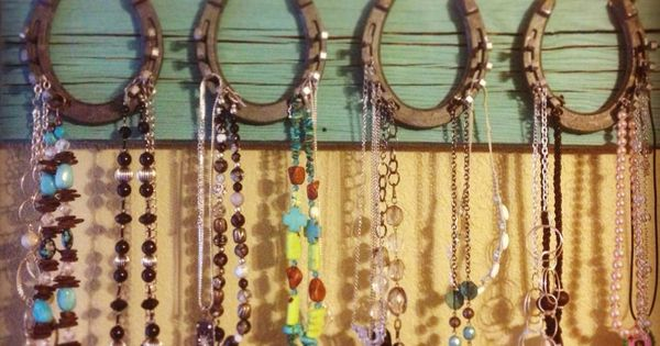 This is a good idea!!! Super cute too!! Horseshoe jewelry hanger cute