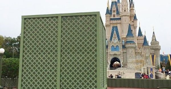 Paint Tricks Use Disney S Quot Go Away Green Quot Disney Parks