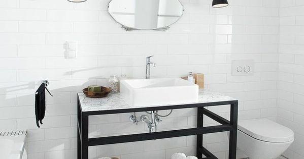 Le carrelage damier noir et blanc pour la salle de bain for Carrelage salle de bain blanc et noir