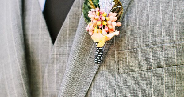 Love the pin stripes!!