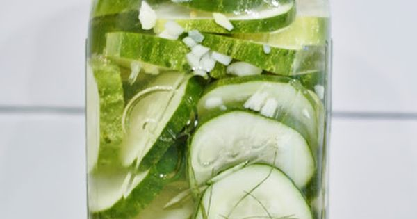 10 Minute Refrigerator Dill Pickles- made these this weekend and they really