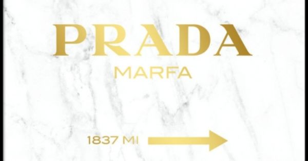poster med prada marfa p vit marmor id er f r hemmet pinterest prada marfa gold marble. Black Bedroom Furniture Sets. Home Design Ideas