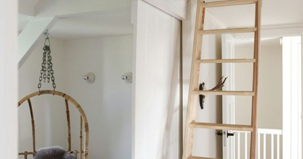 Klein wonen met vide thestylebox mezzanine pinterest klein wonen zolder en slaapkamer - Mezzanine jongen ...