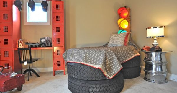 18 Wheeler Truck Tire Bed