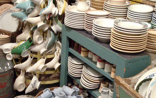 Fishs eddy in nyc selling vintage looking dinnerware for Fishs eddy dinnerware