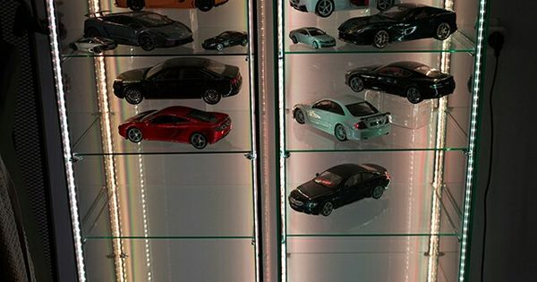 ikea detolf glass vitrine w four cheap ebay rgb led strips inexpensive display for diecast. Black Bedroom Furniture Sets. Home Design Ideas