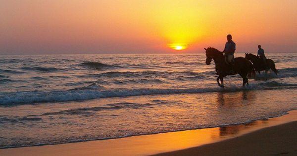 Www Mircreo Com Puesta De Sol En La Playa Del Palmar Cádiz South Of Spain Cadiz Northern Spain