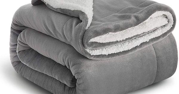 Bedsure Sherpa Decke Grau Hochwertige Wohndecken Kuscheldecken Extra Dicke Warm Sofadecke Couchdecke In Zweiseitig 1 In 2020 Sofa Decke Kuscheldecke Wohnzimmer Decke